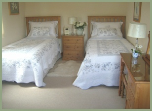 Downstairs twin bedroom at Meadow Barn, Little Sutton